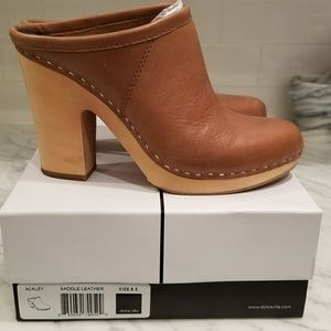 Dolce Vita Ackley clog in Saddle leather